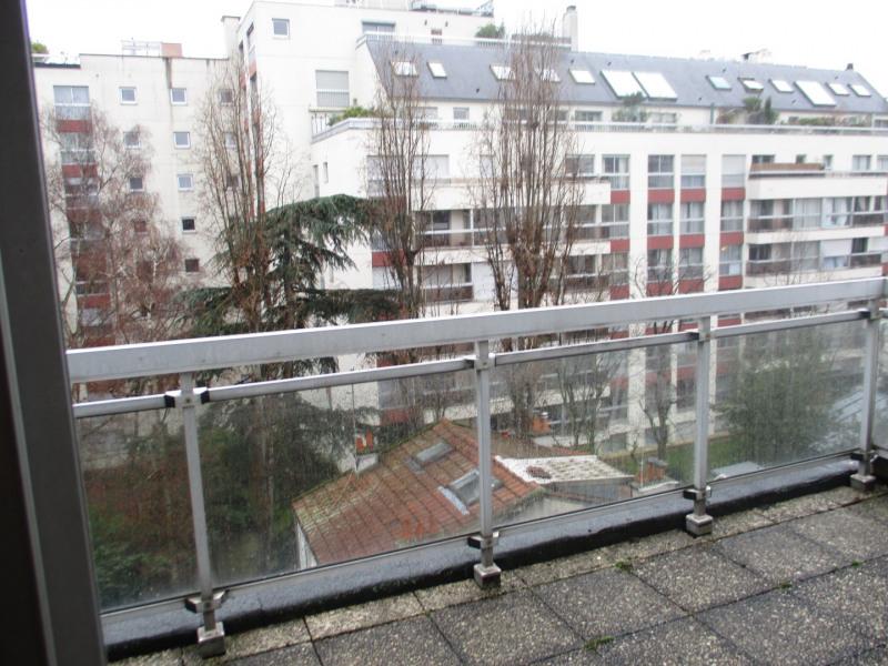 Rental apartment Paris 15ème 2345€ CC - Picture 3