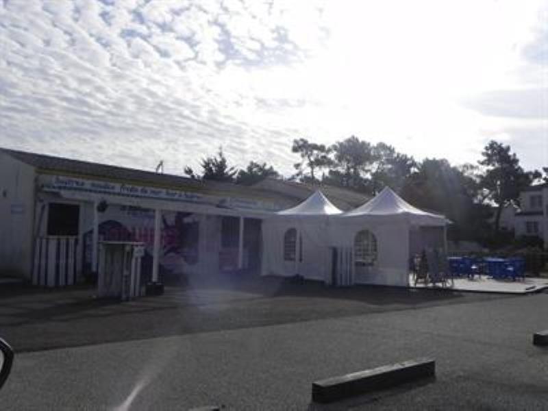Vente local commercial La tranche sur mer 699900€ - Photo 2