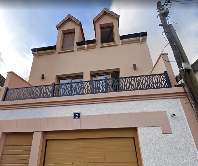 Rental house / villa Maisons laffitte 1950€ CC - Picture 1