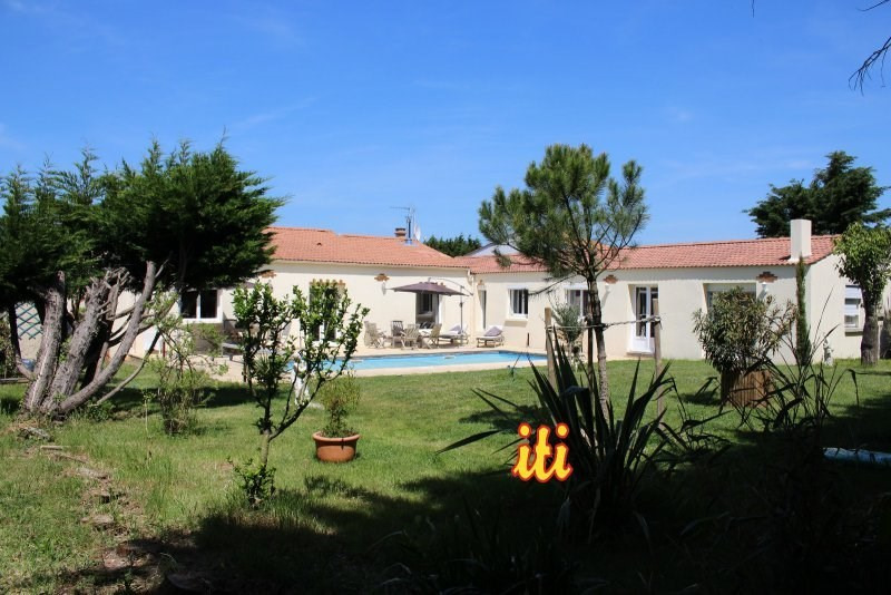Sale house / villa Chateau d olonne 548 000€ - Picture 1