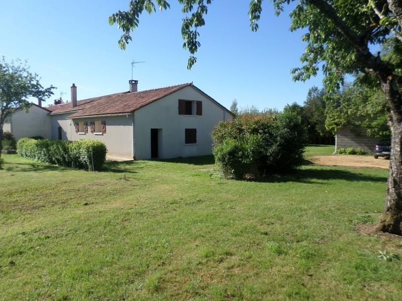 Vente maison / villa Lussac les chateaux 141000€ - Photo 1