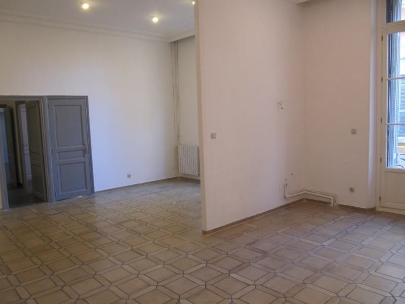 Rental empty room/storage Aix en provence 2 585€ CC - Picture 2