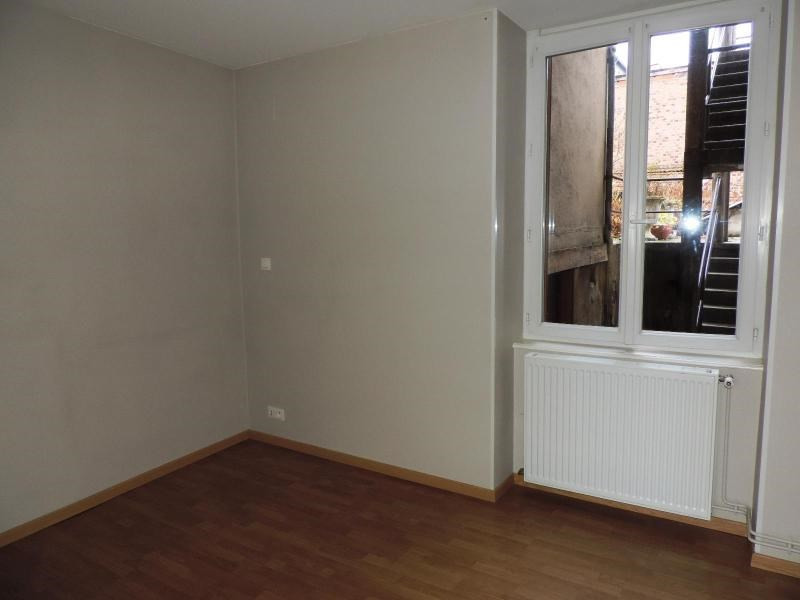 Location appartement Amplepuis 270€ CC - Photo 3