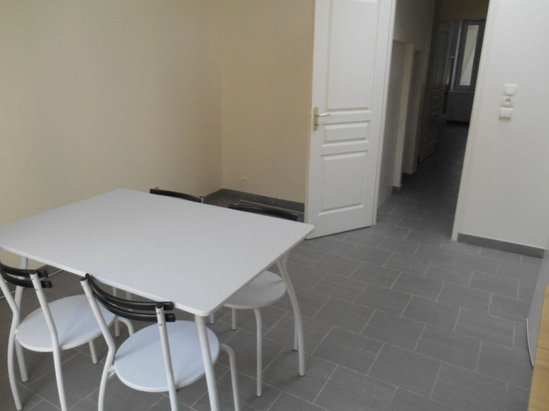 Location appartement Saint quentin 425€ CC - Photo 4