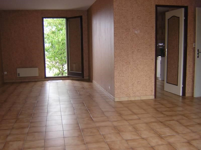 Location maison / villa Graulhet 680€ CC - Photo 2