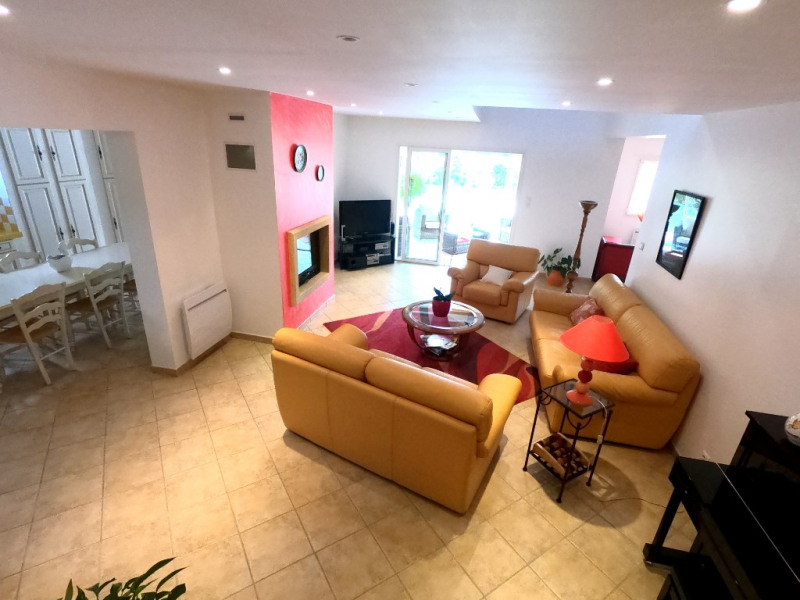 Rental house / villa Simiane collongue 2530€ CC - Picture 3