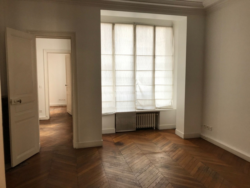 Location bureau Paris 8ème 5 000€ HC - Photo 9