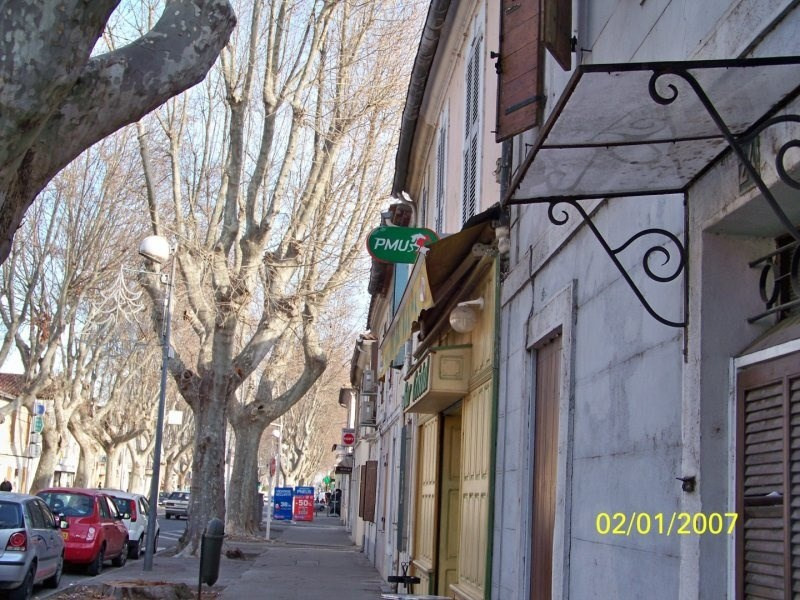 Commercial property sale shop Arles 120 000€ - Picture 1