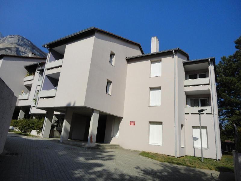 Location appartement Crolles 580€ CC - Photo 1