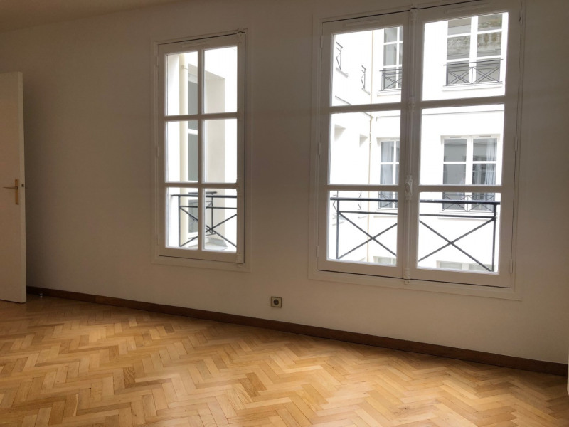 Rental apartment Paris 7ème 1652€ CC - Picture 3
