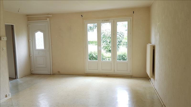 Location maison / villa Henrichemont 613€ CC - Photo 3