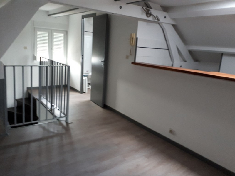 Location appartement Saint quentin 385€ CC - Photo 2