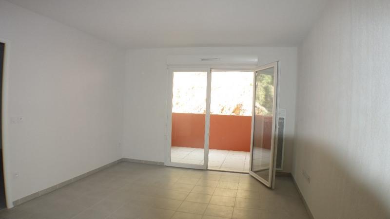 Locação apartamento Londe les maures 633€ CC - Fotografia 1