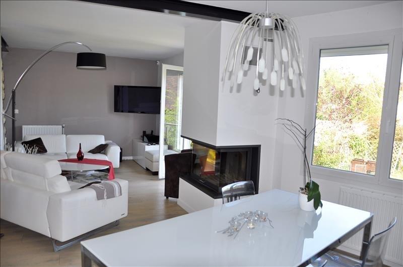 Sale house / villa Feucherolles 730000€ - Picture 2