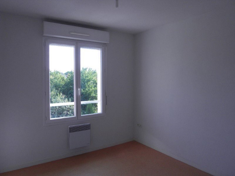 Rental apartment Cognac 383€ CC - Picture 4