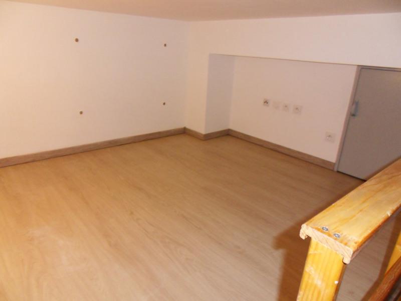 Location appartement Entraigues-sur-la-sorgue 435€ CC - Photo 10