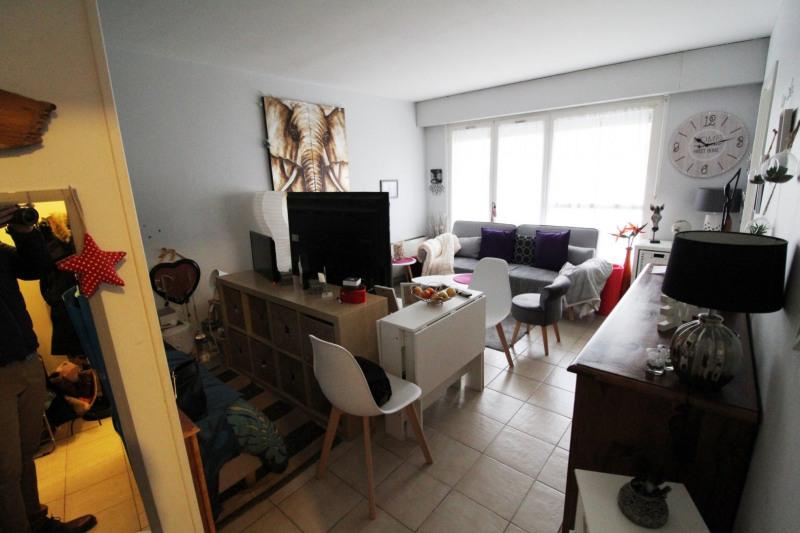 Rental apartment Elancourt 636€ CC - Picture 1